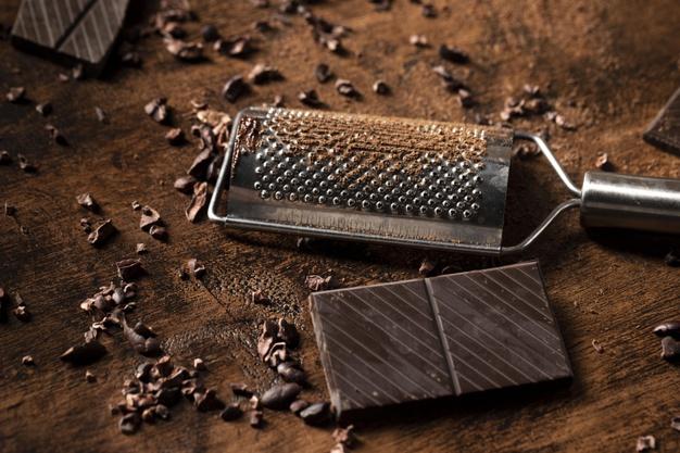 close-up-view-chocolate-bar-concept_23-2148746692-1-6423999-3317666